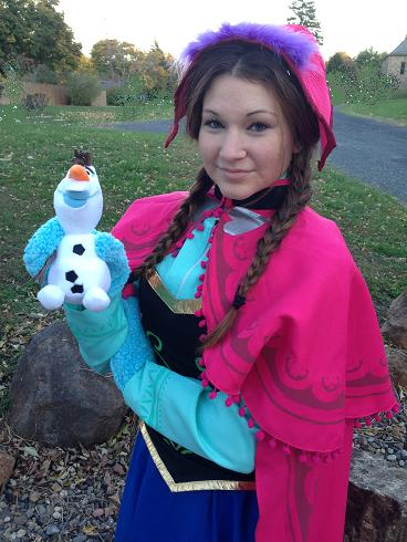Forzen Ice Princess performs children's holiday party show with holiday or frozen themem storytime, balloon art, holiday stickers and tattoos, make-a-wish snow dust, magic show, treasure hunt with souvenirs, and snow man puppet