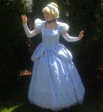 Princess haley- professional theater actress and trained singer poses as Cinderella for children's birthday parties in NJ