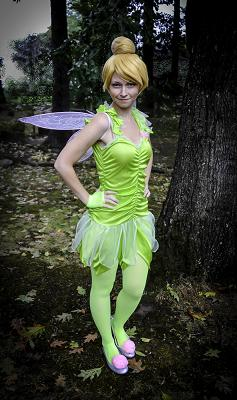 Fairy Princess Morgan- adorable petite actress and singer poses as Green Fairy Tinkerbelle for kids birthday parties in NJ