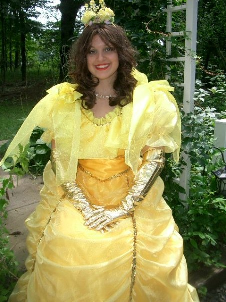Princess Belle entertainer for kids parties, christian entertainment, games, pocket tricks, animal balloons, storytime, face painting, puppet, treasure hunt with souvenirs, sequin tiara for birthday girl, princess party entertainer NJ, christian entertainment NJ