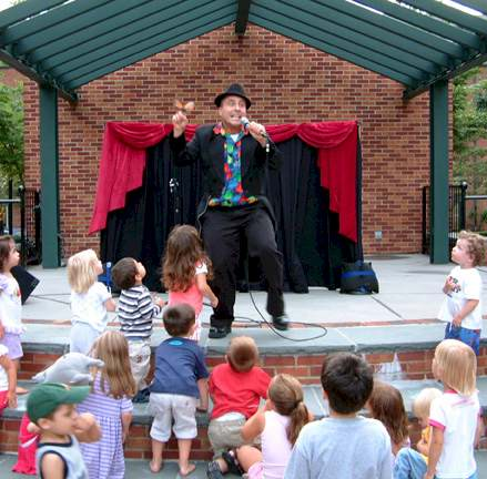 Oliver- NJ Puppet shows for kids parties, preschools, school programs, corporate events stage shows, festivals, NJ puppet theater for children's parties, preschoolers, school programs, stage shows, and corporate events, for all ages