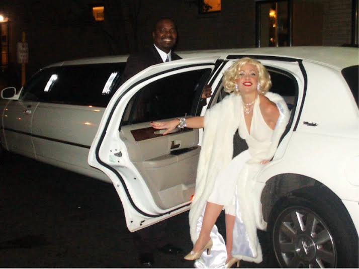 Beautiful stage actress and singer poses as Marilyn Monroe, arrives with professional driver to getinto celebrity character, NJ Marilyn Monroe impersonaor