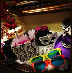 Photo Booth props and accessories for your guests to phose for photos, great fore themem parties and events
