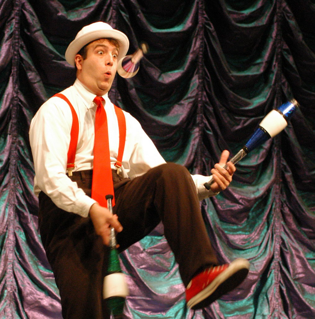 Comedy Jugglers for children's parties in New Jersey, professional juggling, comical children's entertainer Juggler, variety entertainment for preschoolers school programs NJ